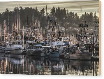 Wood Print featuring the photograph Yaquina Bay Boat Basin At Dawn by Thom Zehrfeld