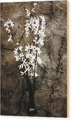 Wood Print featuring the photograph Yellow Bells by Gray  Artus