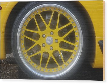 Yellow Vette Wheel Wood Print by Rob Hans