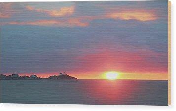 York Harbor At Dawn Wood Print by Lori Deiter