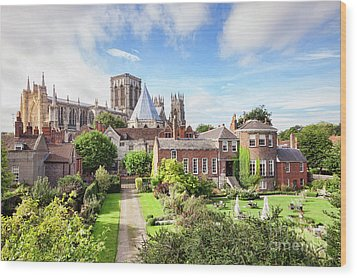 Wood Print featuring the photograph York Minster by Colin and Linda McKie