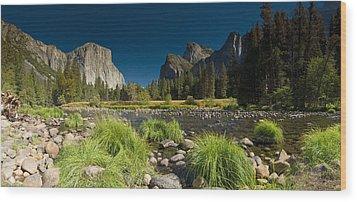 Yosemite - El Capitan Wood Print by Gary Cloud