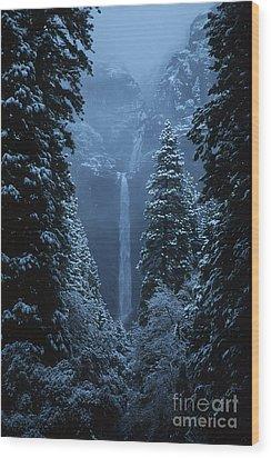 Yosemite Falls In January Wood Print