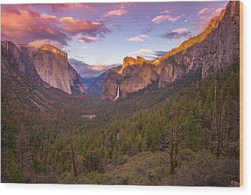 Wood Print featuring the photograph Yosemite Valley Spring Sunset by Scott McGuire