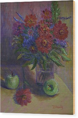 Zinnias And Apples Wood Print by Bonnie Hanly