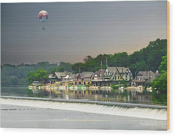 Wood Print featuring the photograph Zoo Balloon Flying Over Boathouse Row by Bill Cannon
