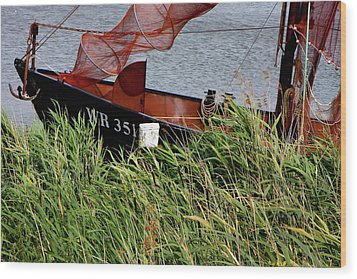 Wood Print featuring the photograph Zuiderzee Boat by KG Thienemann