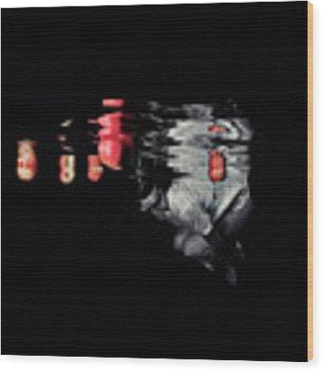 110820-8966 Wood Print by Enric Gener