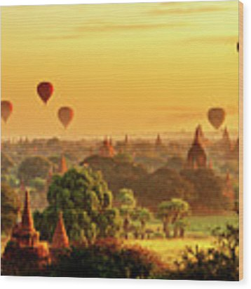 Bagan Pagodas And Hot Air Balloon Wood Print by Pradeep Raja PRINTS