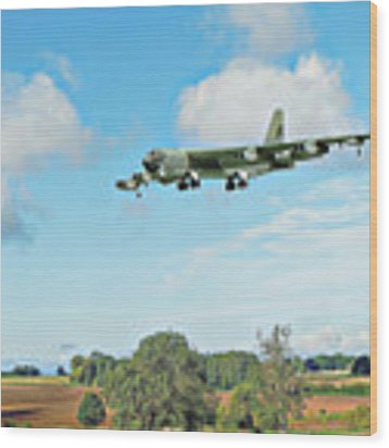 B52 Stratofortress -2 Wood Print by Paul Gulliver