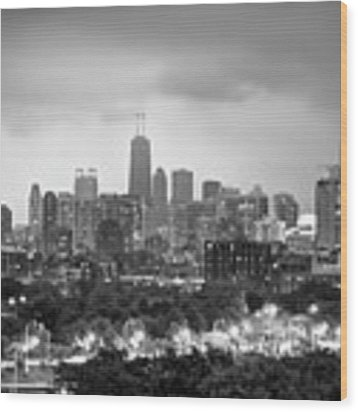 Ominous Skies Over Chicago City Skyline - Bw Wood Print by Gregory Ballos