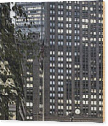 Park Avenue Met Life Nyc Wood Print by Juergen Held