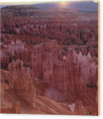 Sunrise Over The Hoodoos Bryce Canyon National Park Wood Print by Dave Welling