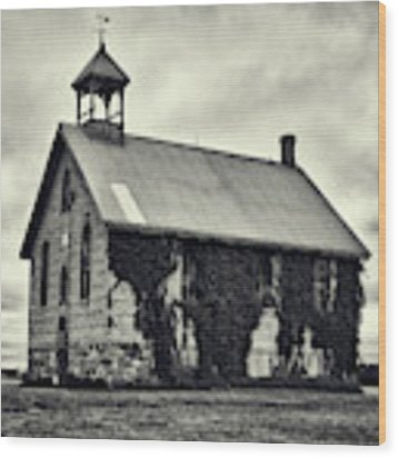 Abandoned Schoolhouse Wood Print by Garvin Hunter