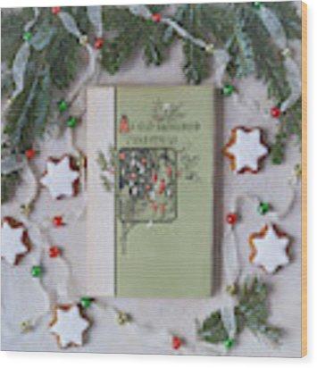 An Old Fashioned Christmas Wood Print by Kim Hojnacki
