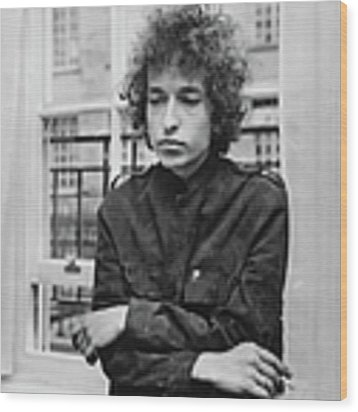 Bob Dylan 1966 Wood Print by Express Newspapers