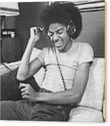 Michael Jackson, The Lead Singer Of Wood Print by New York Daily News Archive