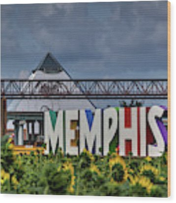 Mud Island Memphis Monument 002 Wood Print by Lance Vaughn