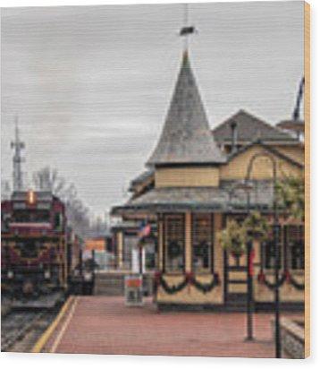 New Hope Train Station At Christmas Wood Print by Kristia Adams