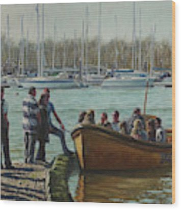Passengers Boarding The Hamble Water Taxi In Hampshire Wood Print by Martin Davey