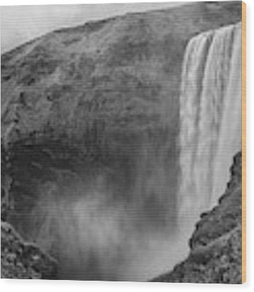 Skogafoss Iceland Black And White Wood Print by Nathan Bush