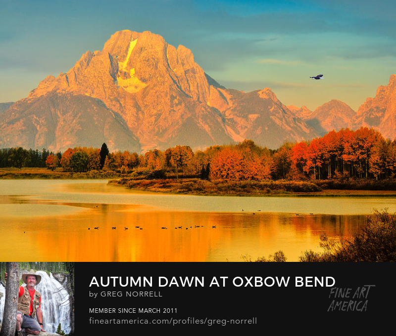 Dawn at Oxbow Bend on autumn morning