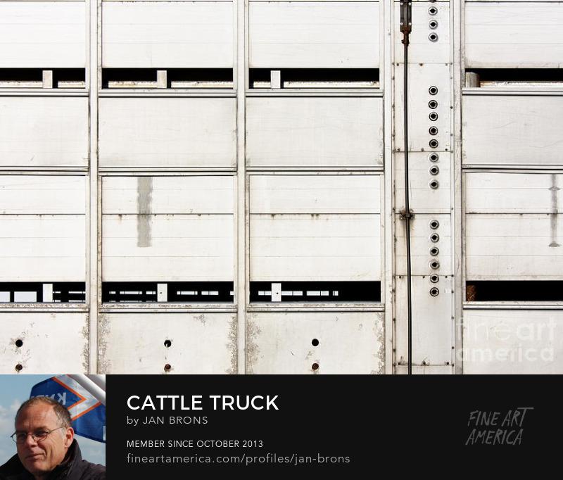 Cattle Truck - Art Online