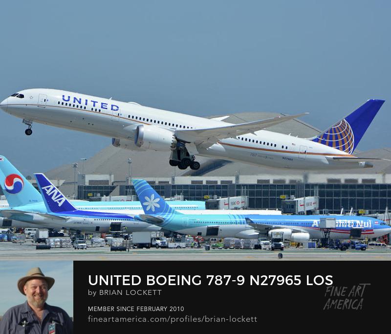 United Boeing 787-9 N27965 at Los Angeles International Airport on May 3, 2016, 2016