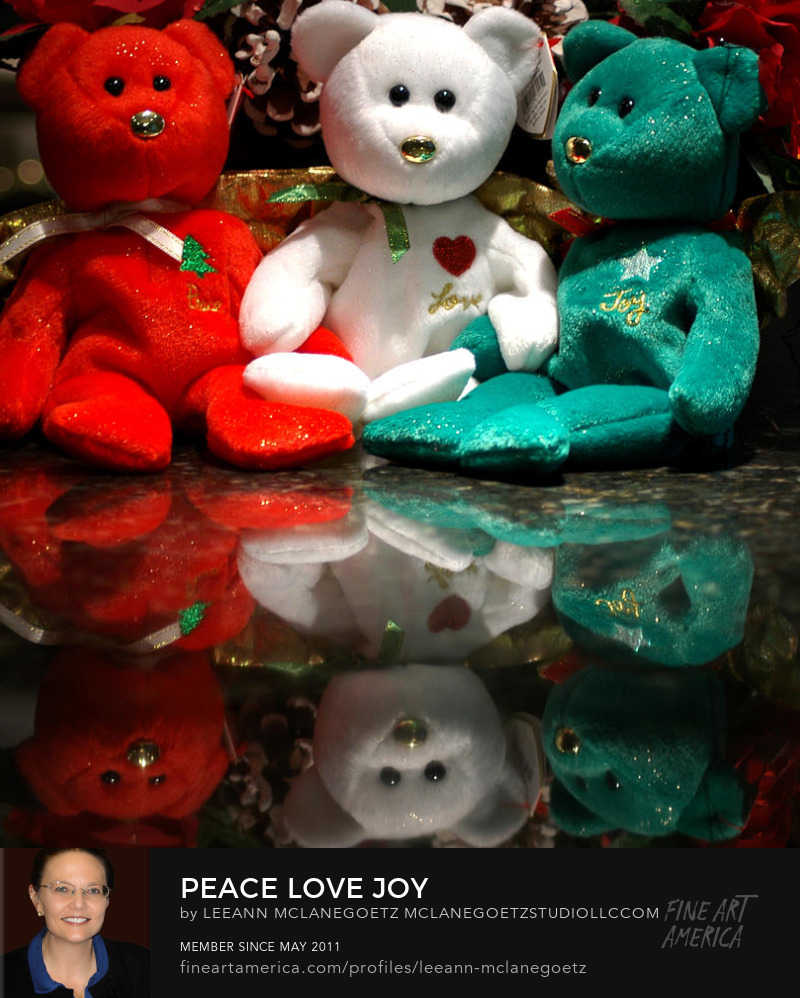 McLaneGoetzStudioLLC.com Ty Beanie Bears Peace Love Joy Red White Green