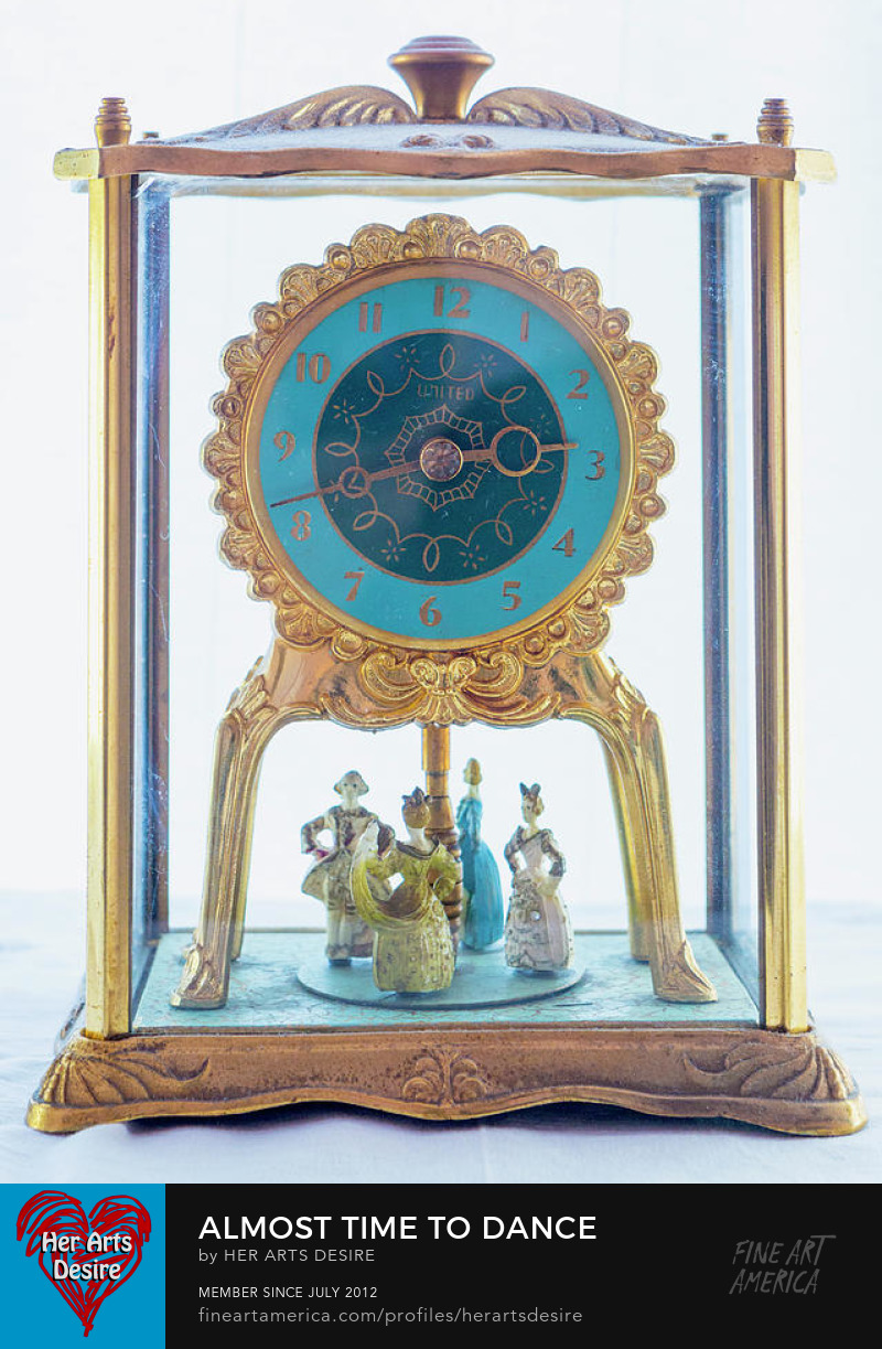 Antique Carriage-Style Clock