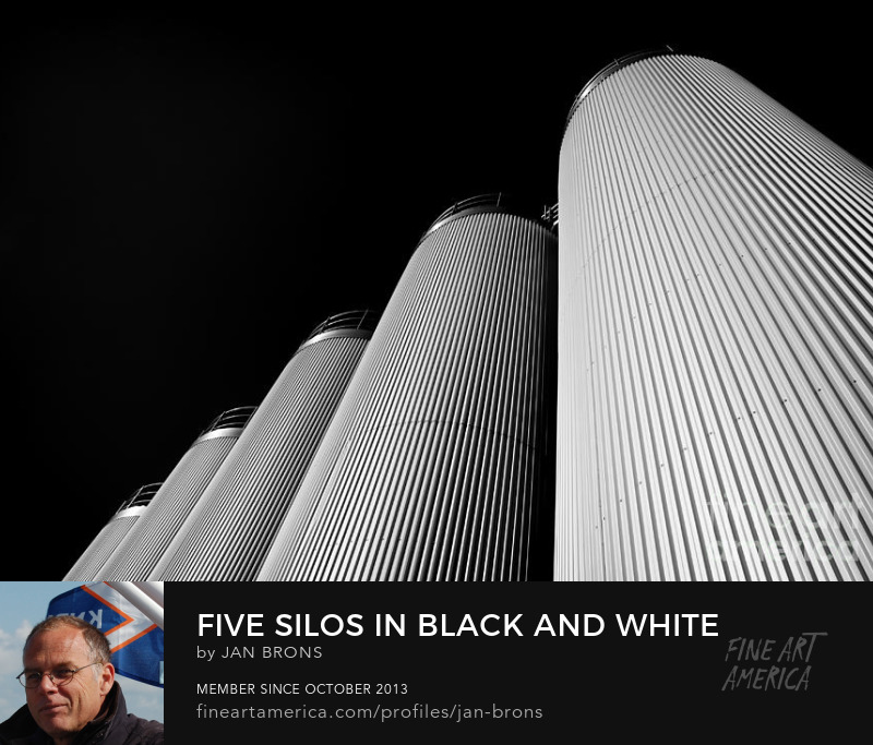 Five silos in Black and White - Art Prints