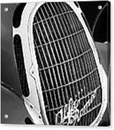 1935 Alfa Romeo 8c-35 Grille Emblem -0006bw Acrylic Print
