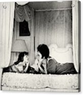 Elizabeth Taylor With Her Daughter Acrylic Print