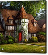 House - Westfield Nj - Fit For A King Acrylic Print by Mike Savad