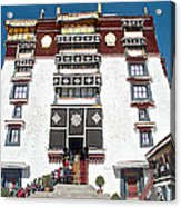 Line Of Pilgrims And Tourists Entering Former Living Quarters Of Dalai Lama In Potala Palace-tibet Acrylic Print