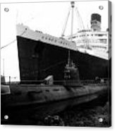 Morning Fog Russian Sub And Queen Mary 01 Bw Acrylic Print