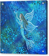 Pearl Out Of The Depths Acrylic Print