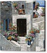 piccole case bianche di Grecia Acrylic Print by Guido Borelli