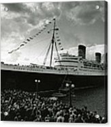 Queen Elizabeth Ship In Harbor By Barney Stein Acrylic Print by Retro Images Archive