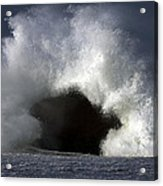 Rock V Wave IIi Acrylic Print by Tony Reddington