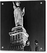 Statue Of Liberty On V-e Day Acrylic Print