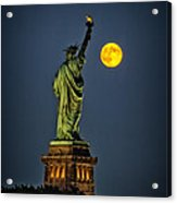 Supermoon 2014 Acrylic Print by Wayne Gill