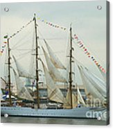 Nve Cisne Branco Passing By Fort Mchenry Acrylic Print