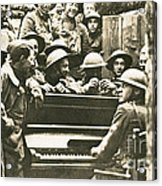 Yankee Soldiers Around A Piano Acrylic Print by Photo Researchers