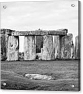 The Slaughter Stone In Front Of View Of Circle Of Sarsen Stones With Lintel Stones Stonehenge Wiltsh Acrylic Print