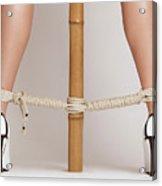 Hooter girls wearing pantyhose