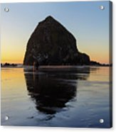 Beachcombers By Haystack Rock In Cannon Beach Acrylic Print