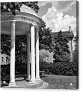 Chapel Hill Old Well In Black And White Acrylic Print