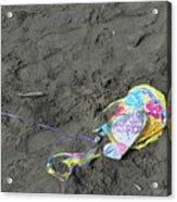 Feliz Cumpleanos Mylar On The Beach Acrylic Print