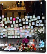 Rip Steve Jobs . October 5 2011 . San Francisco Apple Store Memorial 7dimg8561-1 Acrylic Print by Wingsdomain Art and Photography